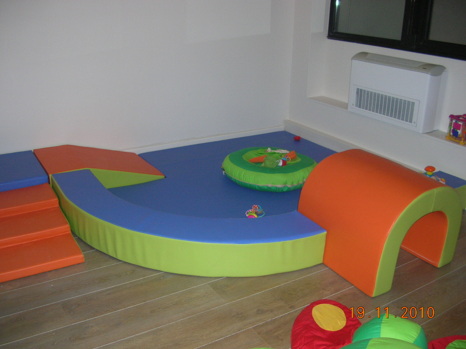 les explorateurs kidapi. Black Bedroom Furniture Sets. Home Design Ideas